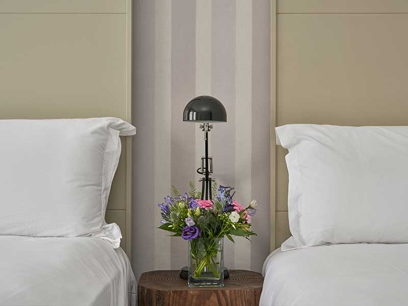 Country-House-Bedroom-2021
